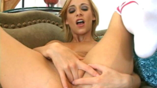 Luscious Blonde Babe Sierra Sinn Spreading And Rubbing Her Pink Shaved Snatch