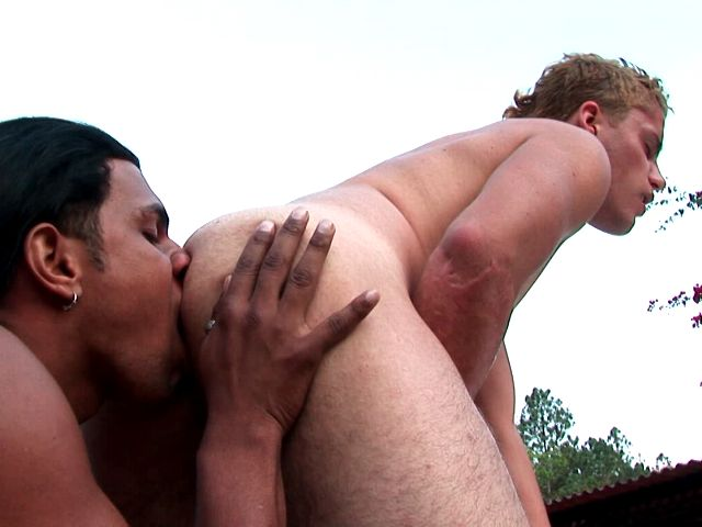 Lustful amateur gays Kaio And Wendel licking and fucking butts at poolside