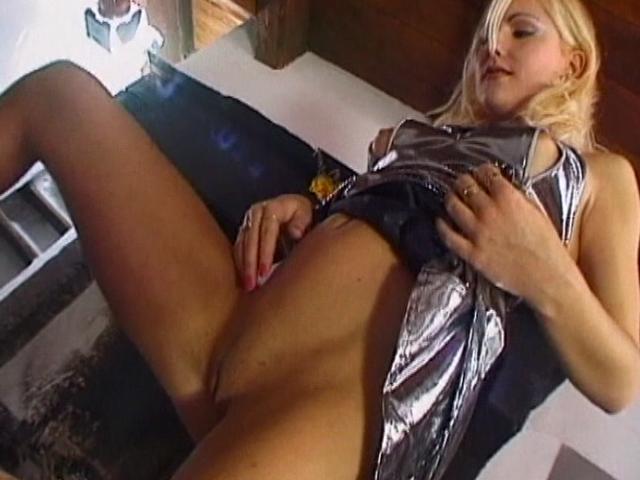 Lustful blond amateur honey rubbing her little bald cunt