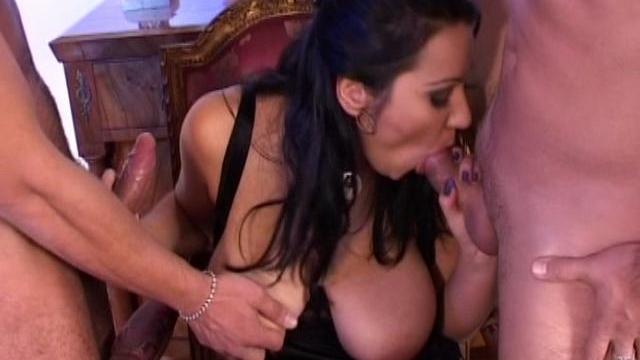 massive-breasted-brunette-babe-sucking-two-huge-cocks_01