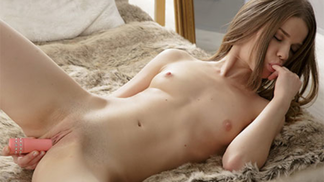 masturbating-with-passion_01