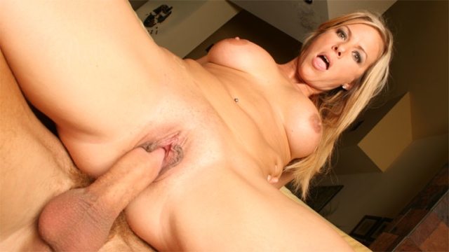 mature-blonde-kayla-synz-riding-cock-like-mad_01