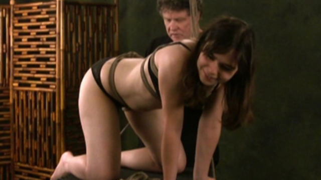 maya-top-bondage-video_01