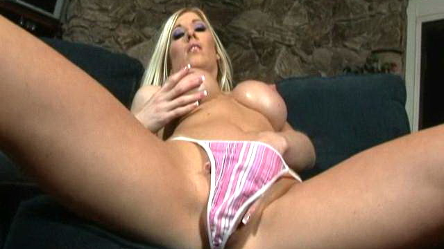 michelle-b-plays-with-her-huge-boobs-and-shows-her-sexy-slim-body_01