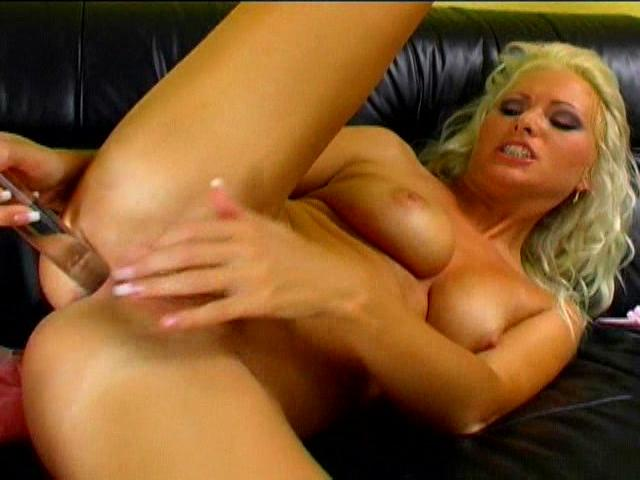 Monika Novakova puts this huge glass dildo up her white ass Exxxcellent XXX Porn Tube Video Image
