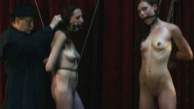 naked-slaves-tied-up_01