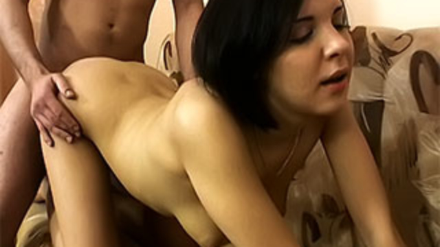 nasty-hottie-riding-cock_01