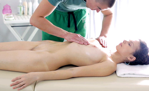 Nastya goes for naked full body massage and gets turned on by it