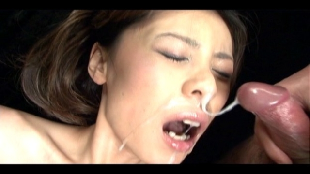 Natsumi-takes-several-cum-facials-while-toyed_01
