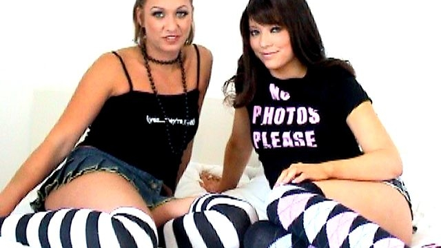 naughty-amateur-british-teen-lesbians-natalia-and-renee-tasting-their-amazing-wet-pussies_01-2