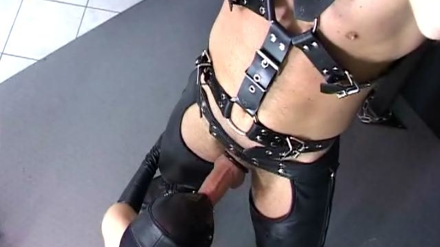 naughty-slave-with-leather-mask-berki-gives-blowjob-to-a-master-and-gets-fucked_01