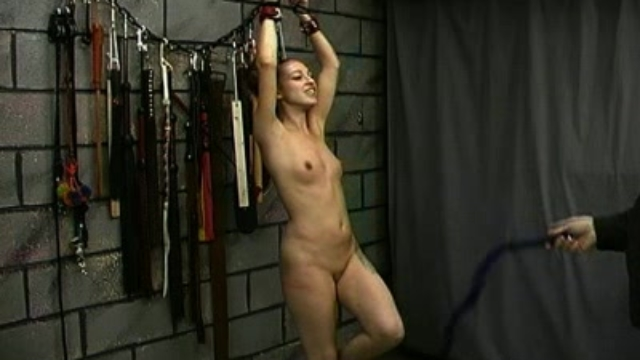 nicole-in-the-dungeon_01