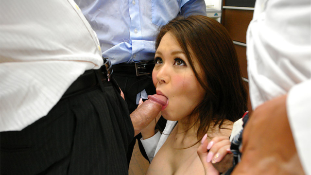 office-girl-china-mimura-enjoys-in-group-sex_01