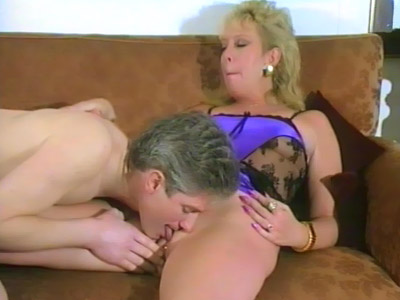 Old Mature Dishes Out Her Pussy