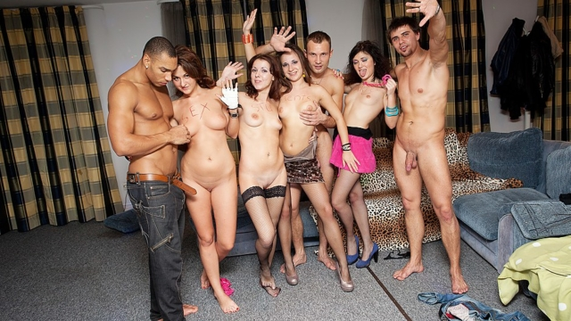 Orgy-at-crazy-students-sex-party_01