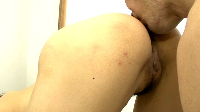 perfect-bodied-japan-princess-iori-miduki-having-pussy-vibrated-hard_01-1