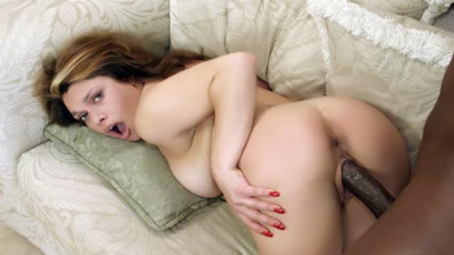phat-booty-latina-fucking-a-big-cock_01