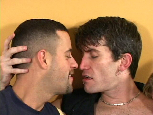 Pierced brunette gay Rob getting nailed by two handsome twinks