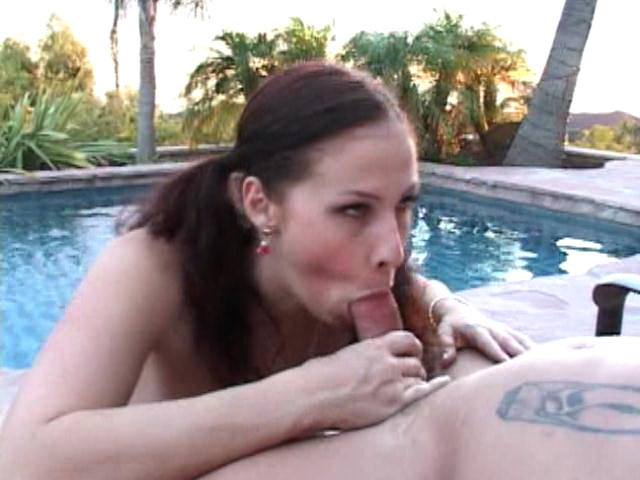 Pigtailed amateur hooker Gianna gets fucked doggy style outdoors by a tattooed stud