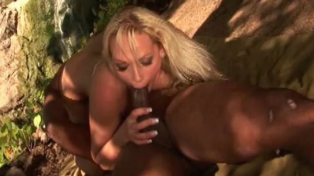 platinum-blonde-bitch-nikki-hunter-sucking-a-massive-black-shaft-outdoors_01