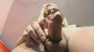 Pretty blonde tranny Thays Schiavinato showing her enormous wang