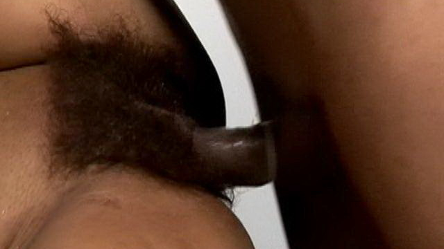 randy-harlot-mary-gets-hairy-pussy-penetrated-by-a-huge-schlong_01