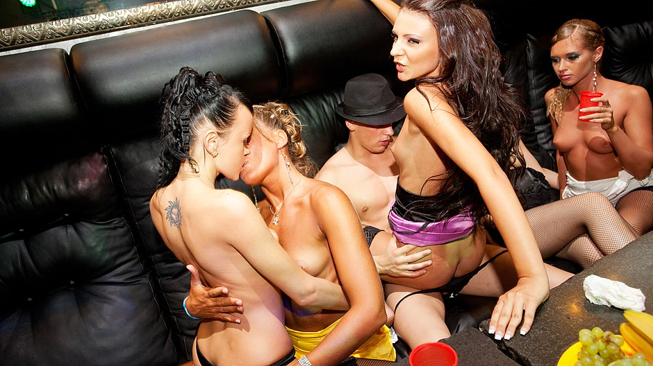 Real college girls seduce a stripper