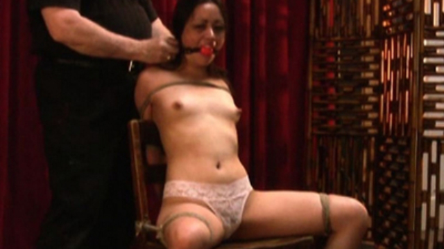 rebecca-in-exciting-bondage_01