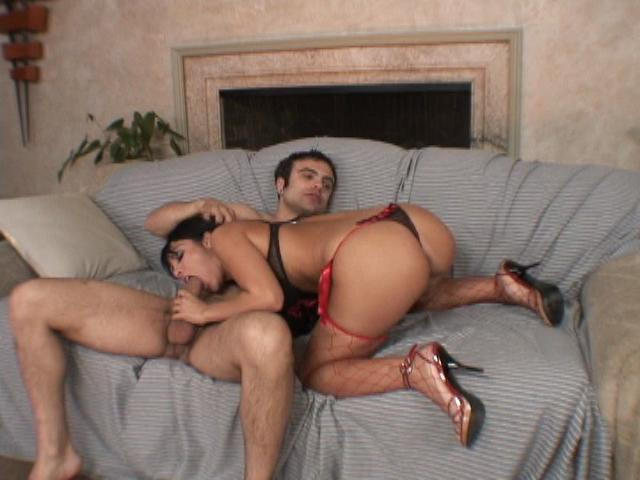 Round assed latina wench Lorena Sanchez sucking a giant cock on the couch