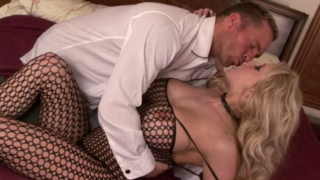 Seductive Blonde Milf In Fishnets Candy Manson Gets Pussy Licked And Fingered Hard