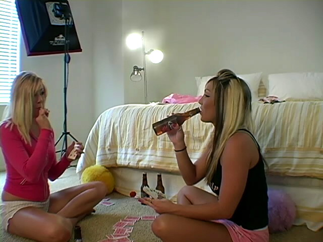 Sensational blonde teen Jessie playing card with her lesbian friend