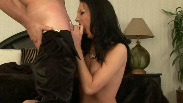sensuous-brunette-mature-whore-destiny-st-claire-sucking-a-giant-dick-with-lust_01