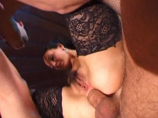 Sex crazed brunette whore in stockings gets double penetrated deep