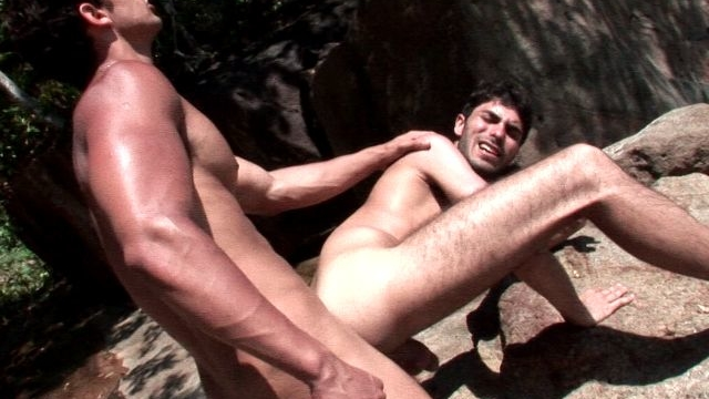 sexy-brunette-amateur-gay-kaike-getting-ass-screwed-by-handsome-junior-bastos-on-an-island_01