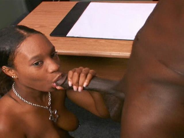 Sexy ghetto nympho Edean makes this black dick rock hard