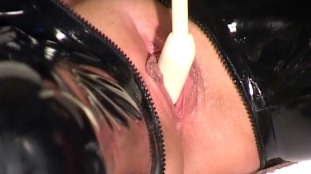 Shameless-slaves-gets-pussies-fucked-hard-by-a-naughty-mistress-in-latex_01