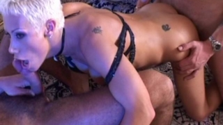 Short haired hottie blond whore gets double smashed