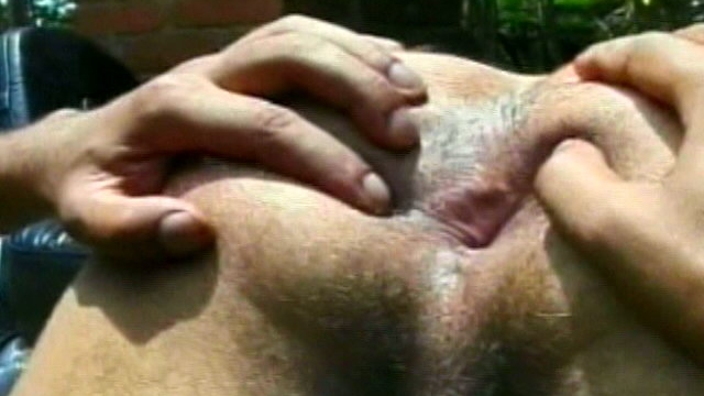 sinfully-twink-wesley-licking-fabios-ass-crack-outdoors_01