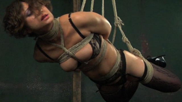 slave-anna-suspended_01