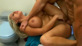 Slender Blonde Pornstar With Giant Boobs Savanna Gold Gets Nailed In Bath Tube