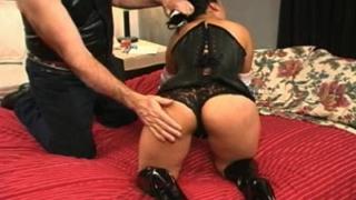 Spanking Gigi