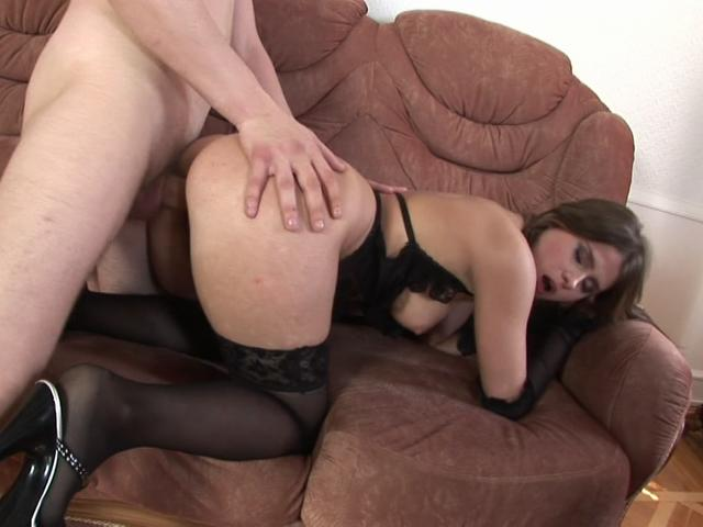Spirited brunette babe getting wet slit fucked doggy style on the couch