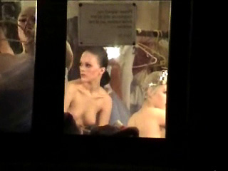 Spying Girls – Nude Ballet Backstage Spy Cam