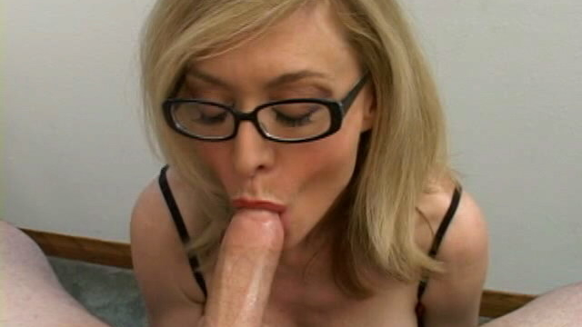 stimulating-blonde-granny-in-glasses-nina-hartley-sucking-a-big-shaft_01