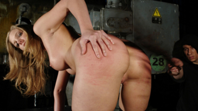 Strike-her-while-shes-hot_01