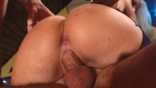 Sublime blonde whore getting double penetrated deep