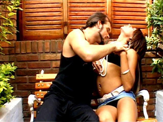 Superb brunette tranny girl Mina gets skinny body kissed outdoors