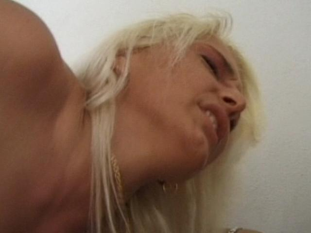 Sweet amateur blond vixen getting pumped doggy style