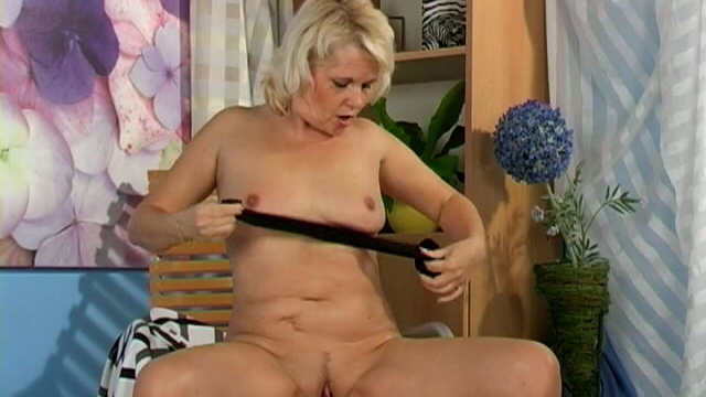 sweety-blonde-granny-leona-touching-her-body-with-lust_01