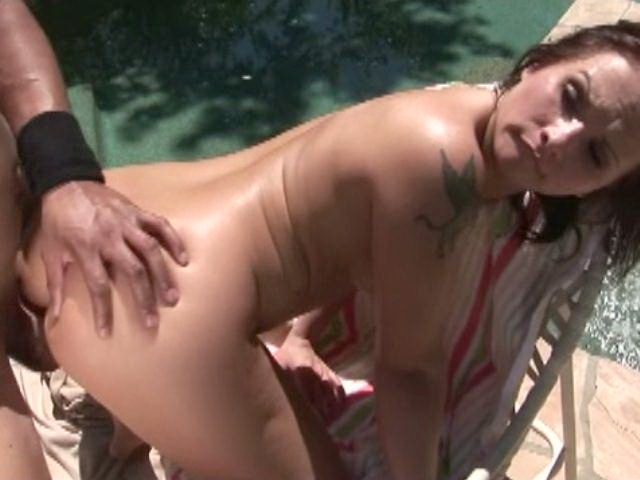 Tattooed brunette amateur vixen Katja Kassin getting delicious pussy fucked doggy style outdoors
